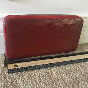 💯 authentic lv epi long zippy wallet